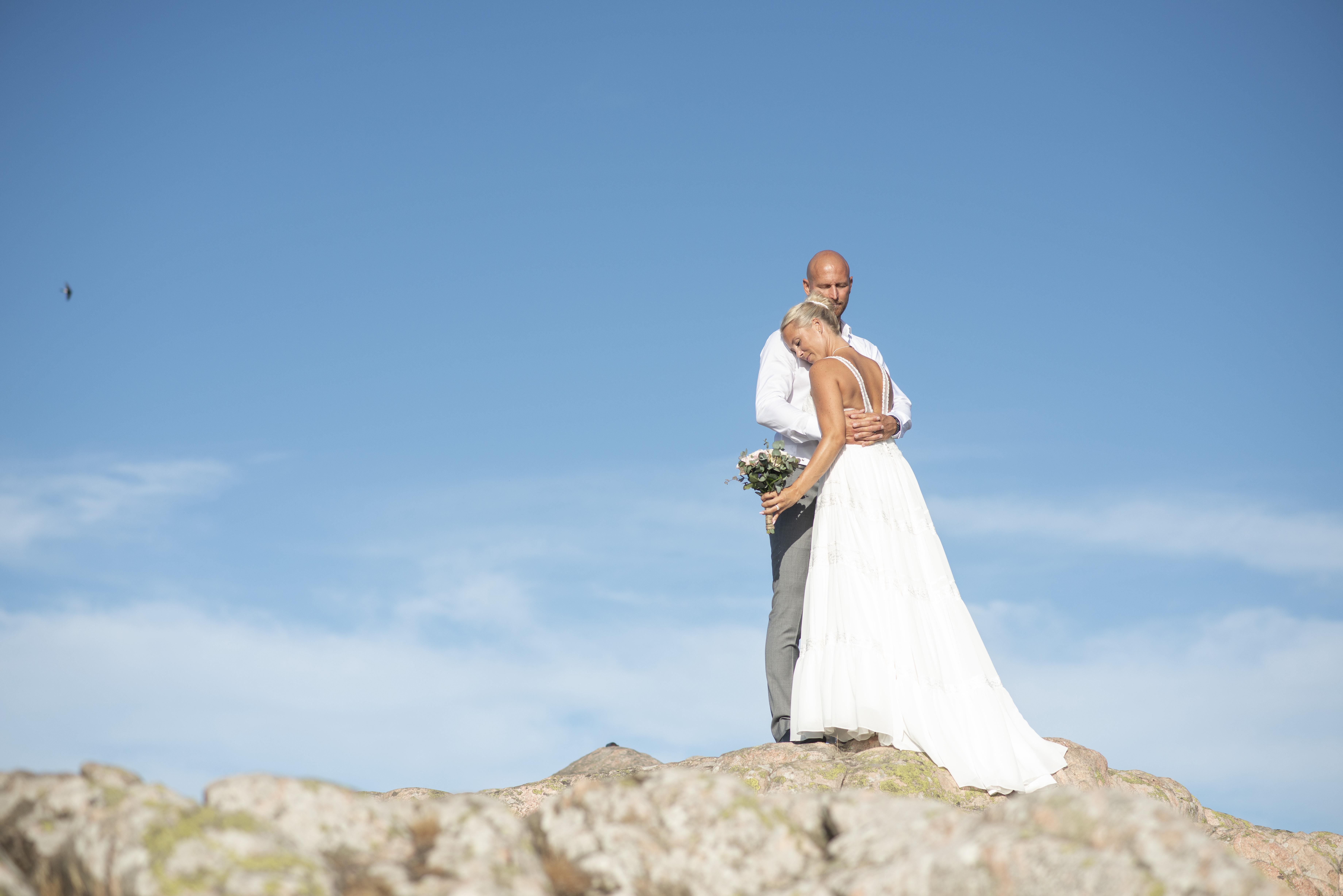 Jessica och Ronny gifter sig vid Kullens fyr